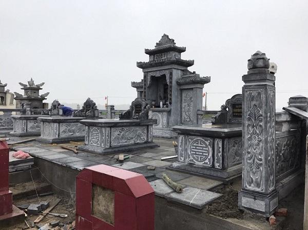 Khu Lăng thờ đá cánh phong, 2 mái, bằng đá xanh rêu cao cấp, công trình lắp đặt cho Lăng mộ tại Hải Dương