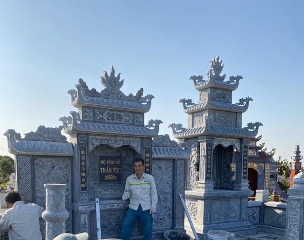 Thi công, xây dựng khu lăng mộ đá Trần Tộc với Lăng thờ cánh phong hai mái, mặt nguyệt với hai câu đối hai bên Cung thờ của lăng